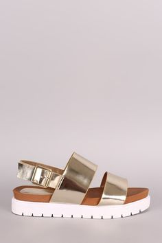 Bamboo Metallic Two Band Lug Sole Flatform Sandal Stylish Sandals, Cute Sandals, Shoes Sandals, Flatform Sandals Outfit, Pretty Shoes, Cute Shoes, Me Too Shoes, Open Toe Shoes, Platform Shoes