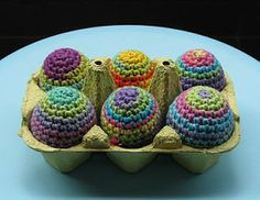 Eggs in all colors. Free pattern
