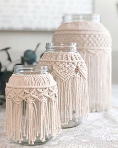 Lots of you asking about the macrame cord I'm using for the video tutorials that will be available tomorrow night. Sun is setting over here on the east coast where it's been sleeting and horrible out all day. Macrame Cord, Diy Macrame, Macrame Design, Macrame Projects, Boho Diy, Macrame Patterns, Mason Jar Diy, Candle Jars, Candle Holders
