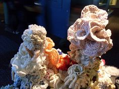 The tall pieceof coral seemed to have used nylon & metalic yarns. Yarns, Bleach, Coral, Sea, Crochet, Crafts, Food, Manualidades, Essen