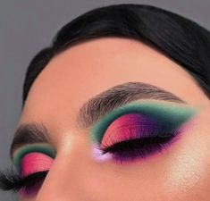 29 Colourful makeup looks the easiest way to update your look – stunning makeup ideas . 29 Colourful makeup looks the easiest way to update your look – stunning makeup ideas . Cute Makeup Looks, Makeup Eye Looks, Eye Makeup Art, Colorful Eye Makeup, Smokey Eye Makeup, Glam Makeup, Pretty Makeup, Makeup Inspo, Eyeshadow Makeup