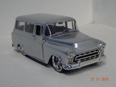Carro colección Chevrolet Suburban 1957. #RegalosNavidad #Navidad2013