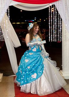 my big fat american gypsy wedding gowns | queen of hearts makes a grand entrance at the Valentine's Day Ball.