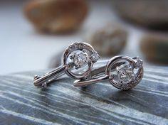 «#14k #gold #diamonds #earrings #diamond #whitegold #diamondearrings #jewelry #finejewelry #sell #amsterdam #750gold 14k white gold with diamonds 0,35 ct…»
