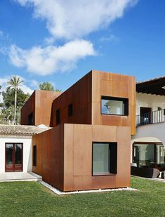 KubiK residential extension of Corten steel boxes in Mallorca, Spain, by GRAS. Architecture Extension, Amazing Architecture, Interior Architecture, Cubic Architecture, Modern Exterior, Exterior Design, Steel Cladding, House Extensions, Modern Buildings