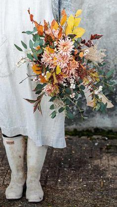 autumn flower arrangement green and gorgeous #autumn #flower #arrangement #ideas #frombritainwithlove