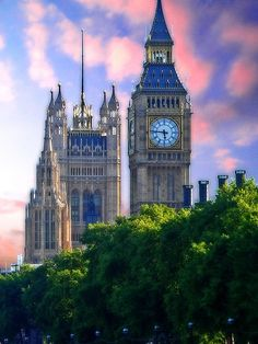 (Big Ben, London) It is easy for me to be organized and arrive at my destinations on time or even early.