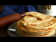 Pita Bread Greek Style - Flat Bread for Souvlaki and Gyros - CUKit! Greek Flat Bread Recipe, Greek Pita Bread, No Yeast Bread, Pan Bread, Pain Pita, Greek Gyros, Tacos And Burritos, Greek Dishes, Sandwiches