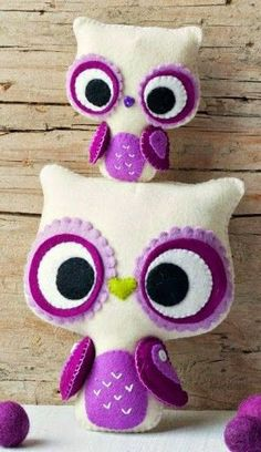Fieltro by claudine Fabric Crafts, Sewing Crafts, Sewing Projects, Felt Owls, Felt Animals, Owl Crafts, Felt Patterns, Loom Patterns, Cute Owl