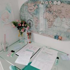 Desk decor design ideas and fun accessoris Study Room Decor, Room Decor Bedroom, Bedroom Ideas, Study Rooms, Bedroom Office, Home Office Design, Home Office Decor, Home Decor, Office Ideas