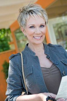 Magnificent short pixie hairstyle for women over short pixie hairstyle for women over 50 www.u… The post short pixie hairstyle for women over short pixie hairstyle for women o . Mom Hairstyles, Short Hairstyles For Women, Blonde Hairstyles, Layered Hairstyles, Classy Hairstyles, Straight Hairstyles, Shaggy Hairstyles, Office Hairstyles, Short Hair Cuts For Women Edgy