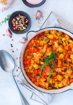 Stewed Tomatoes, Zucchini and Patty Pan Squash - 31 Daily Patty Pan Squash Recipes, Side Dish Recipes, Side Dishes, Low Fat Vegan Recipes, Green Chile Stew, Vegan Patties, Tomato Rice, Fall Dishes, Stewed Tomatoes