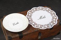 Vintage wedding decoration- paper lace namecards-  Vintage svadobné dekorácie- papierové čipkové menovky