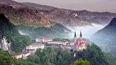 Spain Covadonga Village Download HD Wallpapers