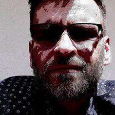 Mariusz Bedonski (@dochod.pasywny.surwiwal21wieku) • Zdjęcia i filmy na Instagramie Mens Sunglasses, Instagram, Fotografia, Man Sunglasses