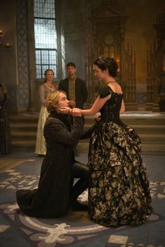 Reign - Queen Mary and Francis My bestie ♥♥♥ Mary Stuart, Reign Cast, Reign Tv Show, Mary Queen Of Scots, Queen Mary, Isabel Tudor, Reign Mary And Francis, Adelaine Kane, Reign Dresses