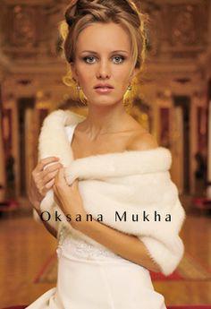 Oksana Mukha...Love the wrap, simple & elegant.