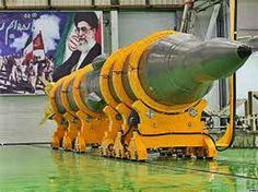 Bajo los términos de un acuerdo que proporciona a Irán miles de millones de dólares en el alivio de las sanciones, Irán y las potencias mundiales cooperarán para enseñar a Irán a administrar su infraestructura nuclear, que en gran medida se mantendrá intacta bajo el acuerdo.