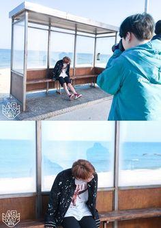 """photographer yoongi back at it "" Yoongi, Jimin Jungkook, Bts Bangtan Boy, Bts Boys, Jung Kook Bts, Jung Hoseok, K Pop, Bts Wings, Min Suga"