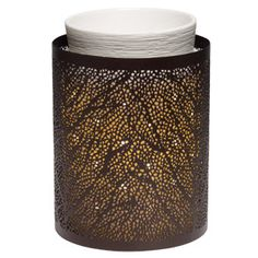 Linden Scentsy Warmer Wrap (Warmer not included) An outbloom of leaflets create a subtle, mesmerizing pattern when lit. $12