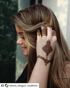 #follow@hennafamily #hennafamily #Repost @henna_shagun_creations  Beautiful henna design from the henna shoot with @henna_art_dubai  Henna designing by @henna_shagun_creations  Photography by @ohjustanotherblog Arrangements by @sara_riadh Model @renske.l_262 Thank u so much for all your co operation. Hope u all love this design ill soon come with the stains of the same henna...im sure u would love it..... #hennapro #glamour #dollhousedubai #hudabeauty #fashion #pretty #prettygirl…