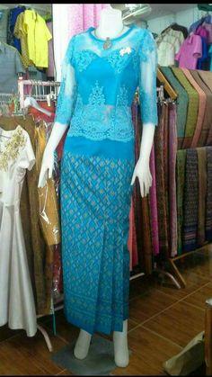 Gaun Dress, Dress Anak, Filipiniana Dress, Walima Dress, Traditional Dresses Designs, Traditional Outfits, Model Kebaya Modern, Myanmar Dress Design, Myanmar Traditional Dress