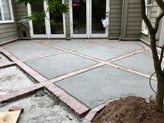 Concrete Patio with Paver Border . Concrete Patio with Paver Border . Brick and Concrete Diamond Design Patio Concrete Patios, Concrete Backyard, Brick Paver Patio, Concrete Patio Designs, Paver Designs, Patio Slabs, Cement Patio, Brick Patios, Patio Stone