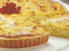 Tarte de Maçã e Leite Condensado Sweet Desserts, Sweet Recipes, Cake Recipes, Dessert Recipes, Portuguese Sweet Bread, Portuguese Recipes, I Love Food, Good Food, Yummy Food