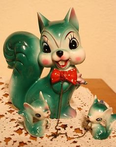 Vintage Retro Green squirrel 1950′s decor Squirrel babies n chains made in Japan