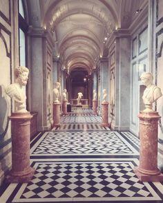 """Maddalena 🎶 viola da gamba on Instagram: """"The beauty of art 🏺 #khm #wien #art #culture #kultur #kunst #geschichte #architecture #interiors #vienna #kunsthistorischesmuseum"""" Vaporwave, Museum, Vienna, Landscape, Architecture Interiors, Pictures, Painting, Beauty, Instagram"""