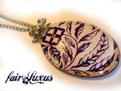 """Wunderschöne, elegante Silberkette mit intensivem """"Porcelain"""" Anhänger, sowie einer silbernen Glanzschleife!"""