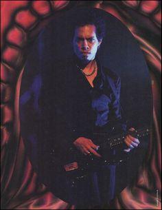"KIRK HAMMETT (Metallica) 1997 FRAMEABLE 8"" X 11"" COLOR PINUP PHOTO PRINT"