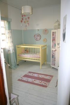 Cute vintage nursery by Emma from Chamomile & Peppermint