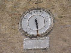 Ancona - Palazzo degli Anziani - orologio a sei ore