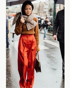 "421 Likes, 2 Comments - Style Sight WorldWide (@stylesightworldwide) on Instagram: ""#parisfashionweek @yoyokulala |   @iciarjcarrasco @voguespain  #streetstyle #fashion #blogger…"""