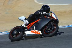 2010 KTM RC8 R Review - Riding Impressions and Review of the 2010 KTM RC8 R
