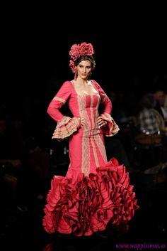 Traje de Flamenca - Carmen-Latorre - SIMOF-2014- Trajes De Flamenco 922280913d5