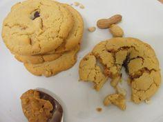Erdnussbutter Cookies mit süßem Schokoladen- Karamellkern (Januar 2015)