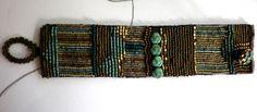 Glasperlenarmbänder - Gesticktes Perlenarmband im Secessionsstil - ein Designerstück von sibea bei DaWanda