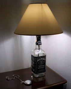 Aproveitando garrafas de bebidas vazias como objetos de decoração