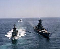 USS New Jersey (BB 62) underway