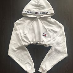 QUEENS   Reworked TH Girl Crop Hoody White