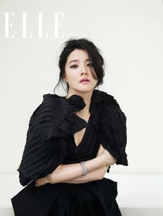 Actress Lee Young Ae and singer Lee Hyori are blinging in Elle Korea's anniversary issue. On next month's pages, Lee Young Ae unveils Louis Vuitton's new jewelry collection … Korean Traditional Dress, Traditional Dresses, Korean Celebrities, Celebs, Korean Photoshoot, Lee Hyori, Lee Young, Asian Hair, Elle Magazine