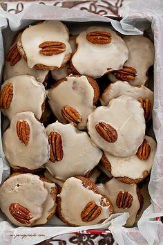 Rustic walnut almond cookies with peanut liquor icing