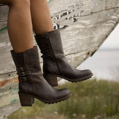 Lovely confy boots www.facebook.com/sericote.sapataria