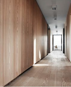 It's all about that Base… about that Base(board) - Hall, Modern Architecture, Baseboard, Wood, Natural - Danish House, Hotel Corridor, Timber Walls, Casas Containers, Baseboards, Interior Walls, Lofts, Wood Paneling, Interior Inspiration