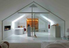 Badezimmer mit Dachschräge, Sauna und Glaswand