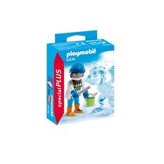 Watch as the Ice Sculptor chips away to reveal an ice dragon! Play with this set on its own or combine with any other PLAYMOBIL set. Set includes ice sculptor, dragon, ice tools, bucket, and other accessories. Recommended for ages four and up.Warning. Choking Hazard. Small parts. Not for children under 3 years.