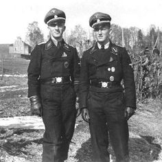 "Two norwegian freiwillige from SS-PzGrenadier Div 11 ""Nordland"". to the left is Per Kjölner (3./SS-Pz.Abt.11 ""Hermann von Salza"") and to the right is Thomas Hvistendahl (4./SS-Pz.Abt.11 ""Hermann von Salza""). Narva, summer 1944"