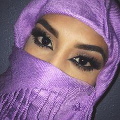 So I finally got around to doing this eye makeup :)